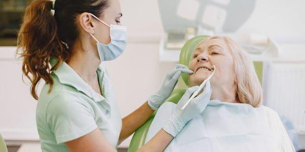 Hitta en passande tandläkare för dig i Solna
